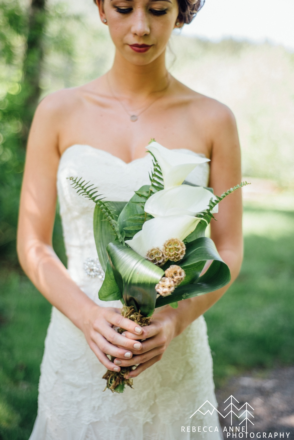 Ethereal Woodland shoot Published in  Artfully Wed .   Published in  Desiree Hartsock   Blogged by  Rebecca Ann  e