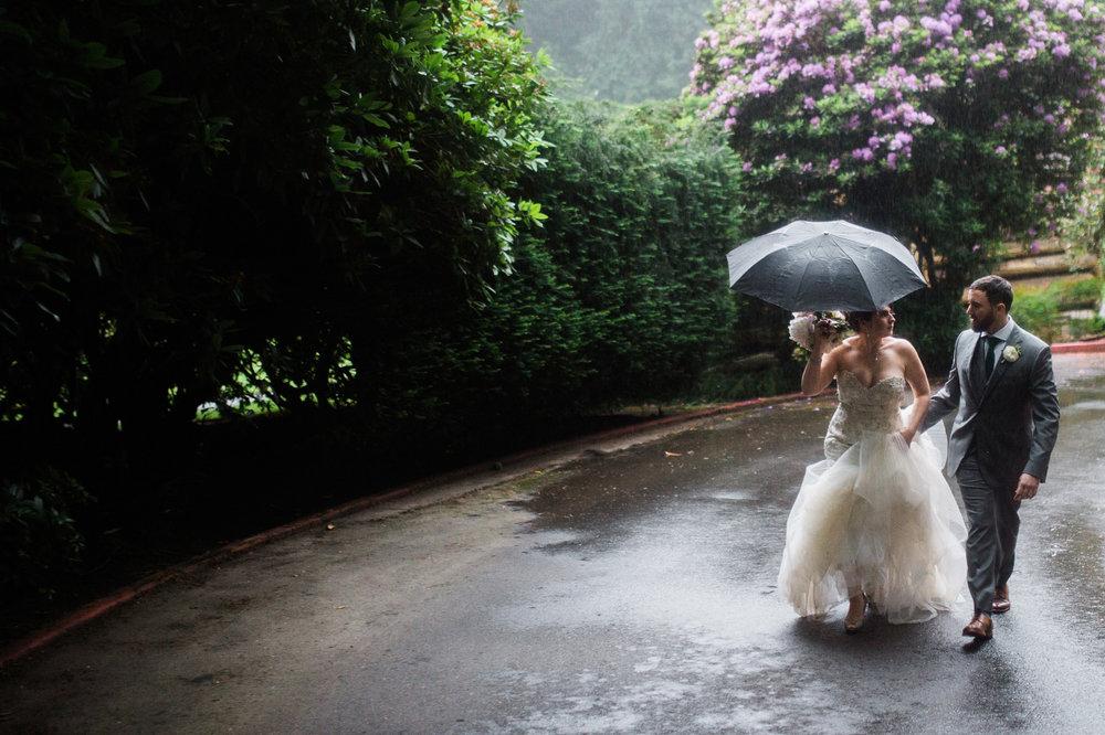 Leaving in the rain o+d.JPG