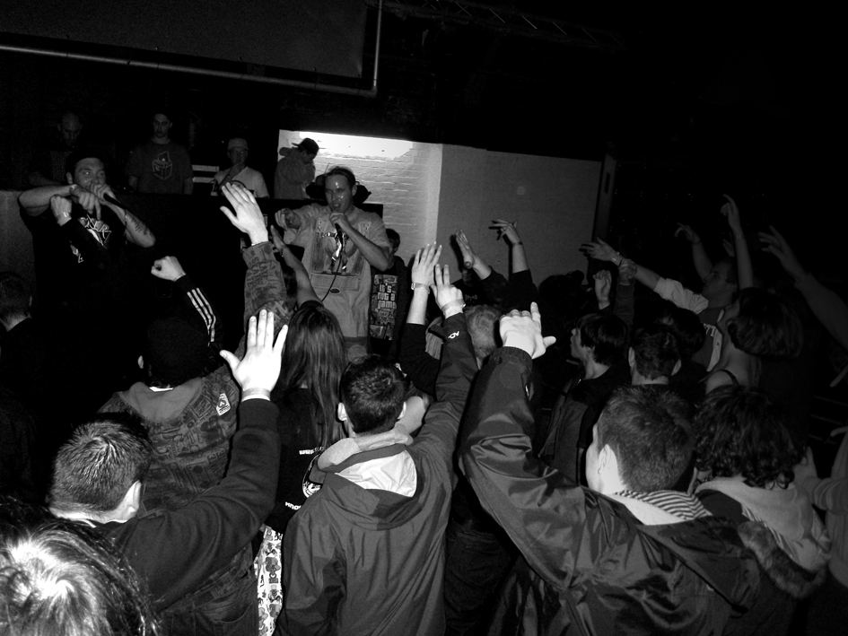 Salisbury Saturdays                                                                      As you can see..we try to get to as many shows as possible, particularly if they're local.    So I guess it comes as no surprise to you that we managed to make it down to Salisbury on a cold Saturday evening last weekend for Livewire Presents: Freedom of Press / Tenchoo & Omerta / Rhyme Asylum & loads more.     It's been great to watch Tenchoo and Omerta performing over the course of this year and since way before the release of  Scary Movie    they've been a relentless, driving force.         Ultra-reliable, they've got bookings all over the UK and of course there was Tenchoo's weekend trip to represent the UK over in Paris at the EOW finals at the end of summer!    Over all a strong year that has seen their live show really develop.     Saturday was another top-notch performance by these guys, they worked the 150+ strong crowd and even got some audience participation going on as you can see in the above photo.    Much respect to Livewire and the Freedom of Press guys for putting this event on! (sorry to have missed your early set).    Similar events scheduled across Salisbury plains will be posted here.
