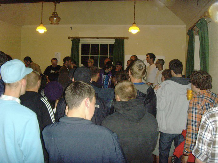 Thanks to those who turned out once again for Holdin' Court the other week.  Always good to see many new faces..  Apologies for the the delay in posts - things have been busy at Holdin' Court H.Q planning for our next event:  12 hours of Hip-Hop culture dedicated to the memory of Amen Haze.  More on that to follow so don't sleep..
