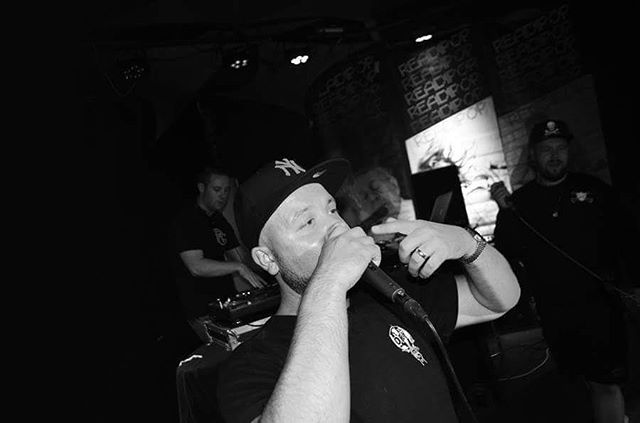 Heavy Links mid-set at #holdincourt in Reading last week. Big shout to them and all their support acts plus the heads who came out to show support!  #hiphop #rap #heavylinks #rdguk #rappers #dj #readipop #stepuptogetyourrepup #muj