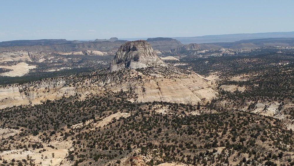 Zoom lens on Cottonwood Peak