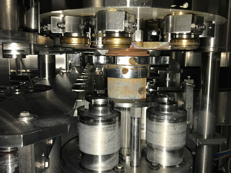 Can Filler Seamer Filling Systems ISO-C 30-4, pic 06.jpg