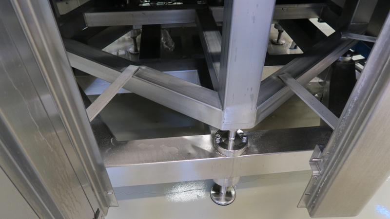 Can Filler Seamer Filling Systems ISO-C 30-4, pic 13.jpg