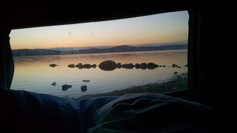 Looking east, 5:15 am. Tide was still pretty close to the van. Roll over and snooze some more.