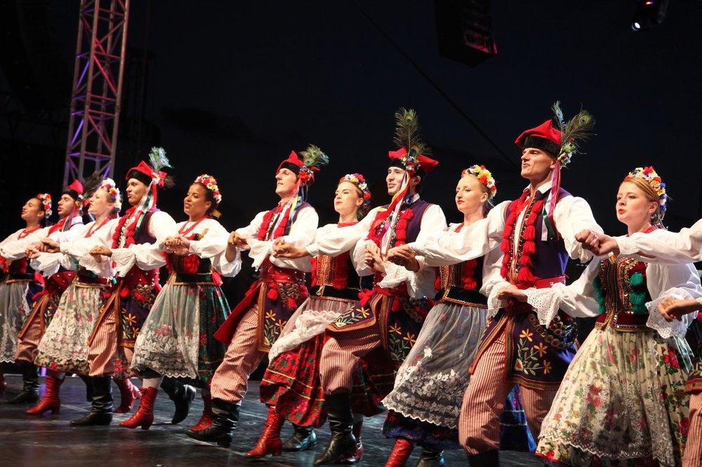 Lengyelország / Folk Song and Dance Ensemble of Warsaw School of Economics
