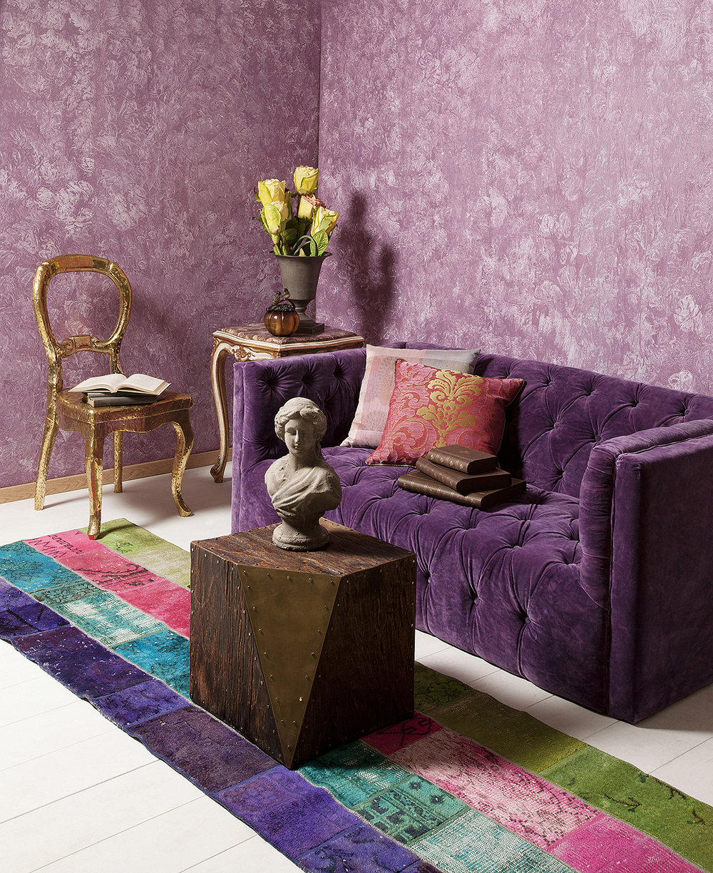 Wallpaper in a complementary color scheme can create a lovely accent wall