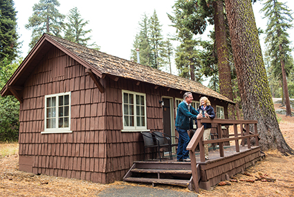 KC-Grant_Grove-Cabin_with_Bath_Exterior-Couple425x285.jpg