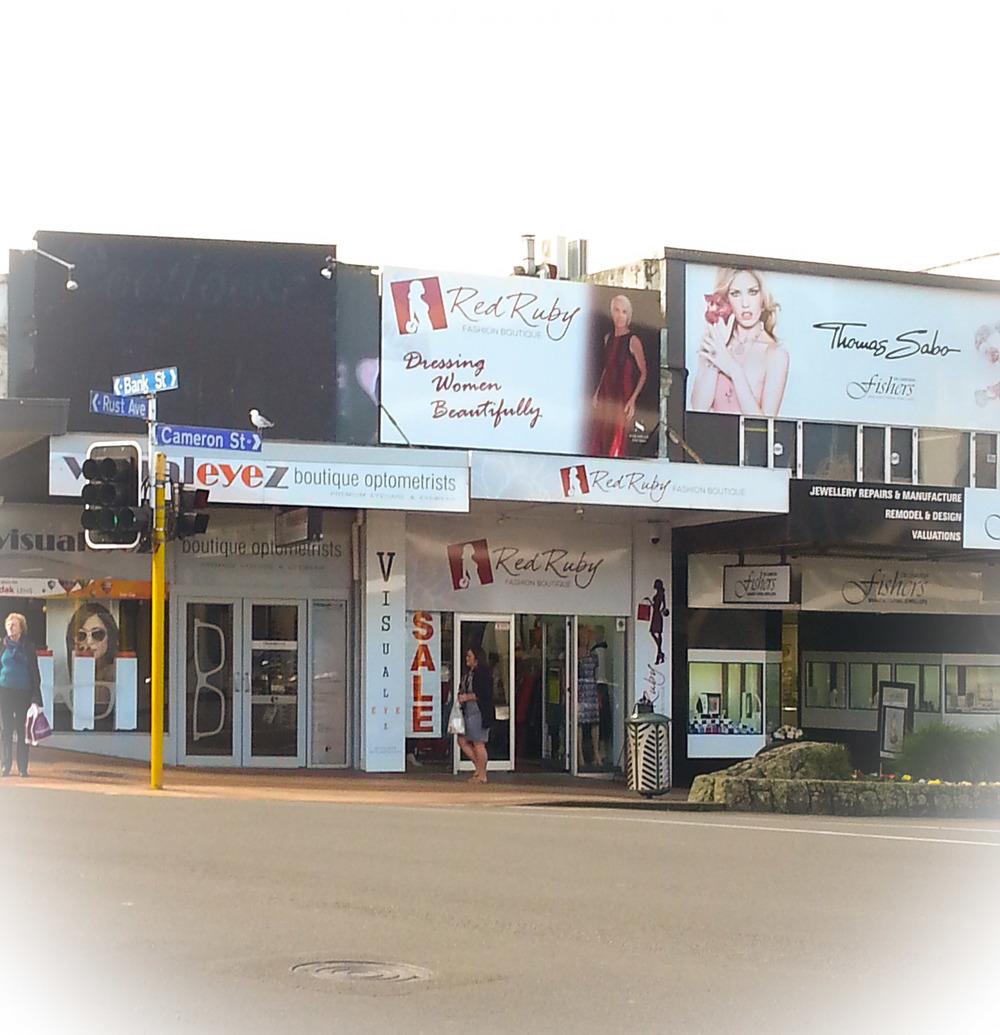 sarahlee-studio-red-ruby-billboard