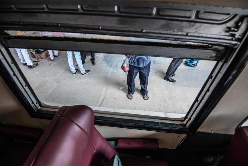 StefanZieglerPhotograpy_Sri Lankan Trains-4.png
