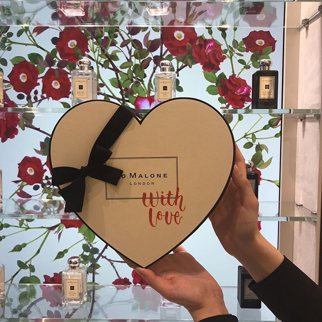 I'll be in Heathrow airport T5 tomorrow with @kirstenburkedesigns personalising gift boxes for @jomalonelondon for Valentine's Day. Come along and pick up a lovely valentines gift for that special someone if you're flying out from there tomorrow. . . . . . . . . . #jomalonelondon #kirstenburkecalligraphy #eventcalligraphy #heathrowairport #terminal5 #ukcalligrapher #personalisation  #brushlettering #eventcalligraphy #customcalligrahy #professionalcalligrapher #onsitecalligraphy #shopping #perfumebrand #ukcalligrapher #fluidcalligraphy #handlettering #finetecgold #personalised #personalisedgifts #smallbusinessowner #handwritten
