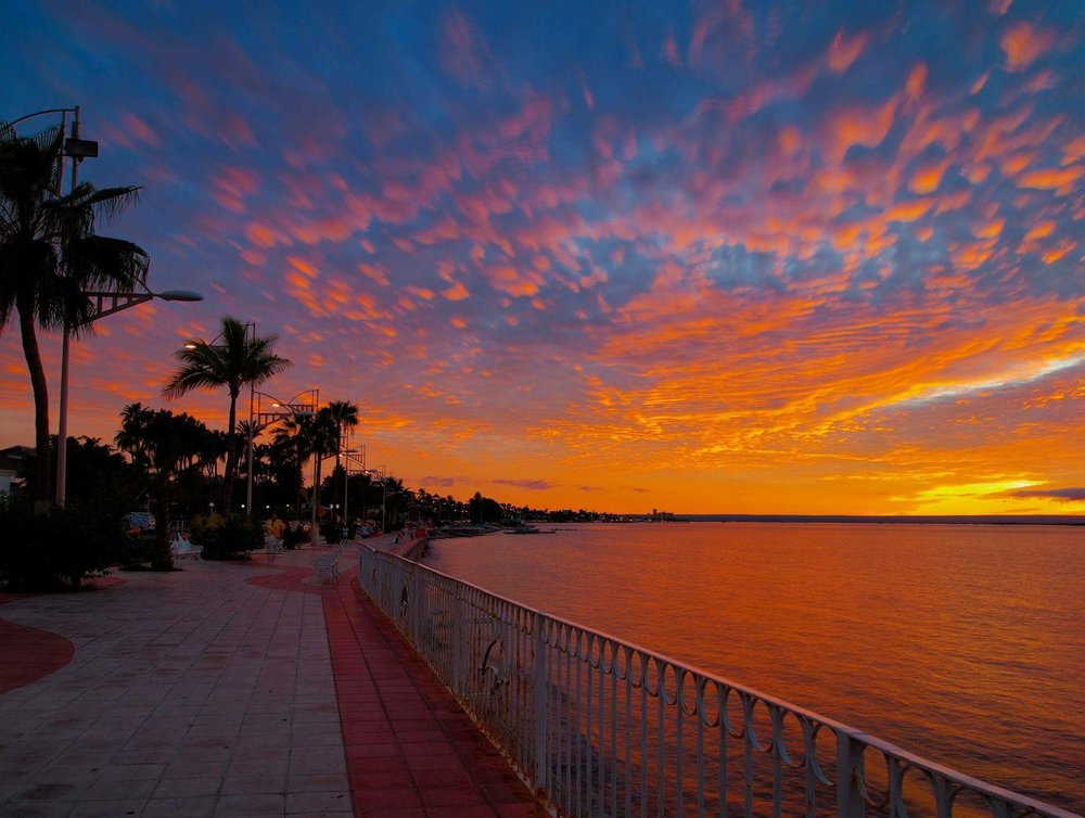 THE SUN SETS ON ANOTHER PERFECT DAY AT LA PAZ, MEXICO. IMAGE: THANKS TO LA PAZ MEXICO @LPSMX FACEBOOK PAGE.