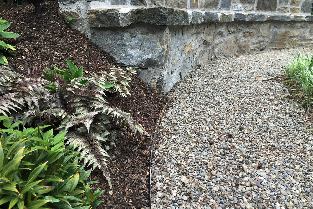 edging-stone-gravel-landscaper.jpg