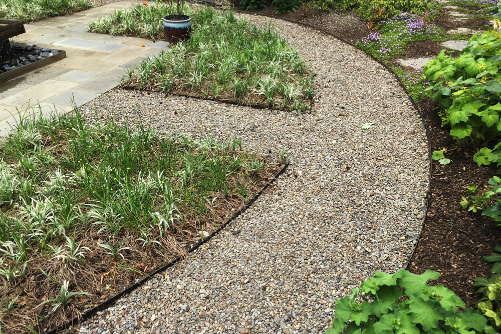 steel-gravel-edging-landscaping.jpg