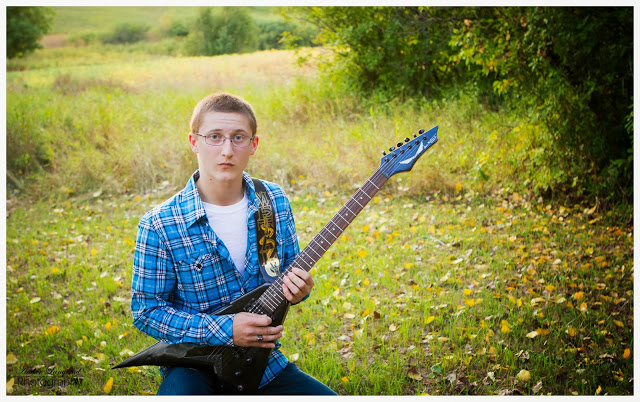 High School Senior Guy Pictures with Guitar, Outdoor senior photographer; Detroit Lakes Photographer, Fargo/Moorhead Photographer