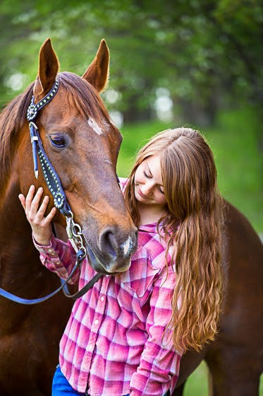 Taking Pictures with Horses | Portraits with Horses | Senior Pictures with Horses