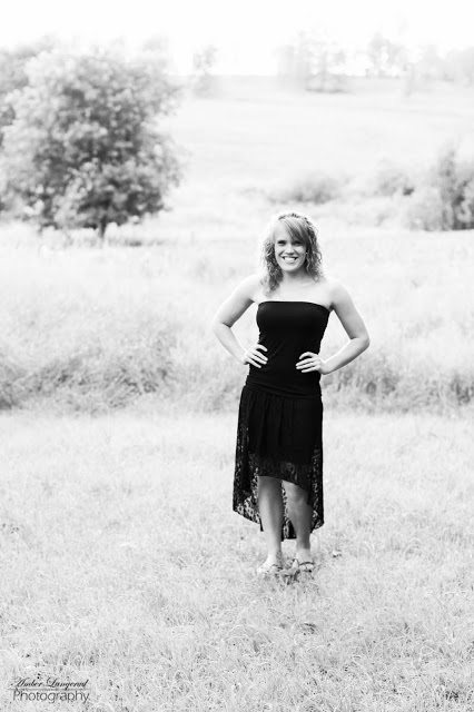 Detroit Lakes, Fargo/Moorhead Photographer, Senior Pictures, Tall Grass