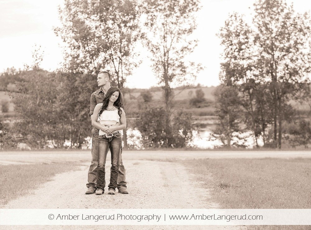Outdoor Country Engagement Pictures | Detroit Lakes Area Photographer