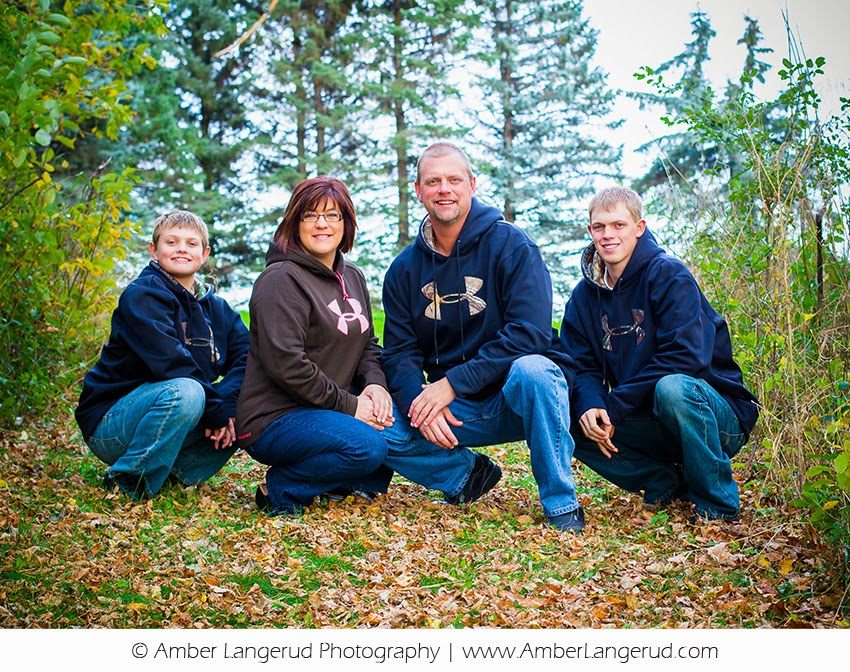 Outdoor Fall Family Portraits | Detroit Lakes, MN area Family Photographer