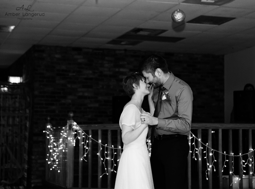 Grandforks/EastGrandForks Wedding | Detroit Lakes, Fargo/Moorhead Wedding Photographer | Winter Wedding