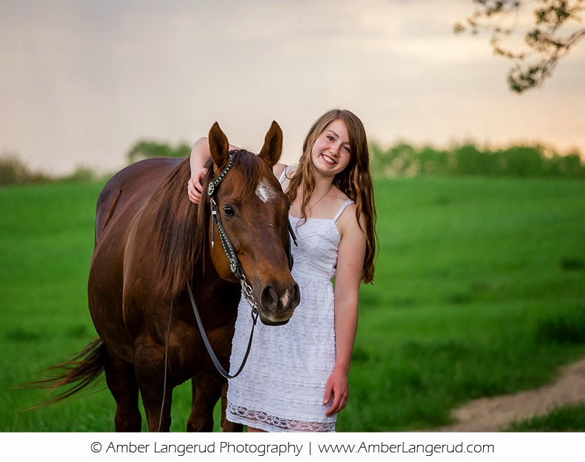 A Girl & Her Horse | Detroit Lakes Area High School Senior Photogapher | Outdoor Portraits