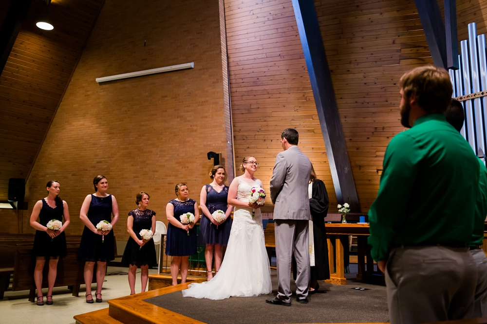 Moorhead, MN wedding | Photos at River Oaks Park | Ceremony at First Presbyterian Church | Amber Langerud Photography