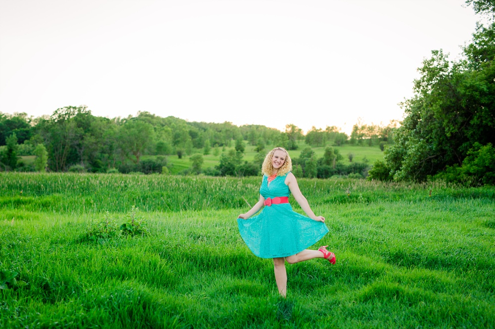 Outdoor, Country Styled High School Senior Pictures by Amber Langerud Photography | Audubon, MN
