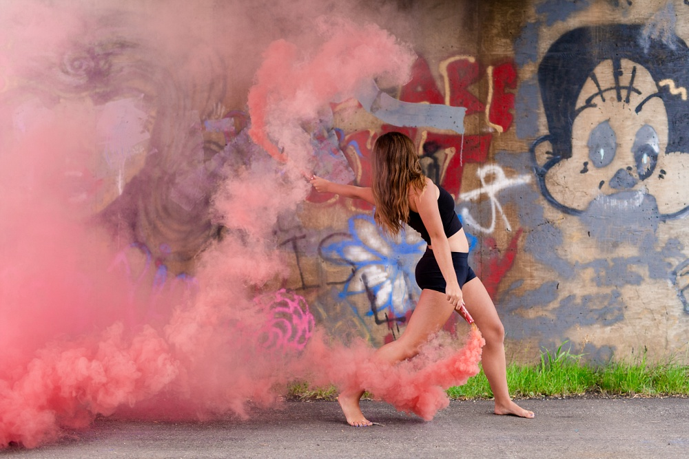 Urban Styled High School Senior Portraits in Detroit Lakes, MN | Photographed by Amber Langerud Photography | Dancer & Smoke Bombs