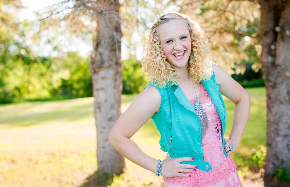High School Senior Session Giveaway from Amber Langerud Photography | its your time to shine
