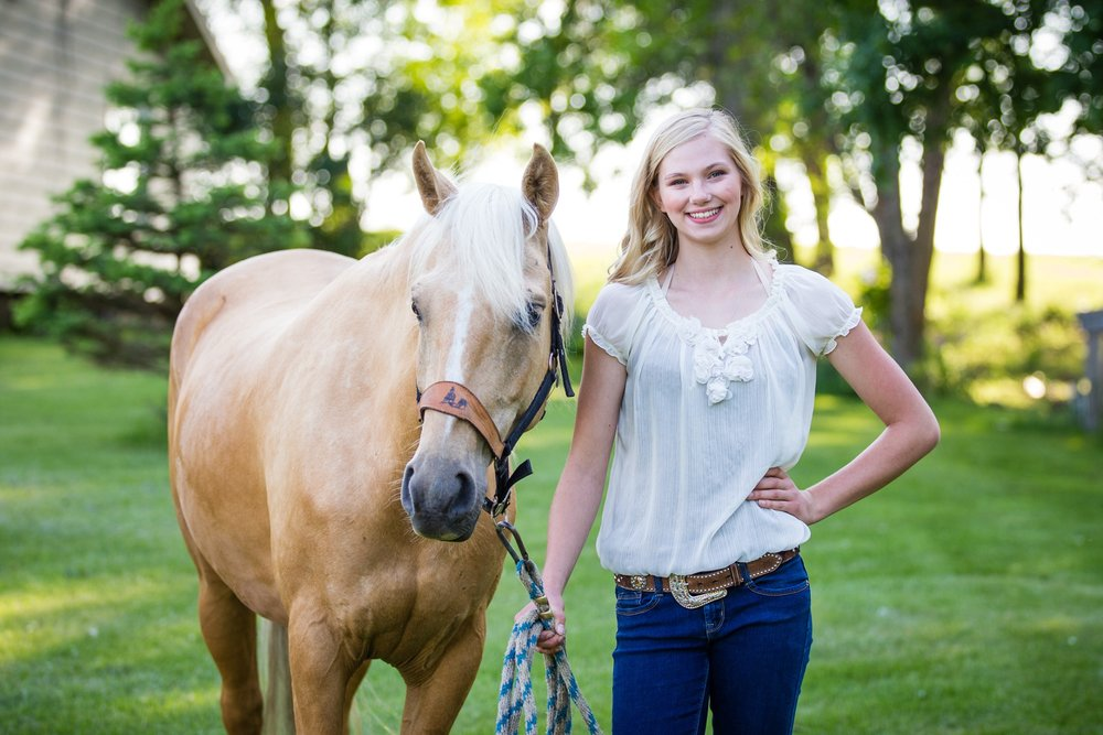 5 quick tips to help your equestrian session go smoothly | Amber Langerud Photography