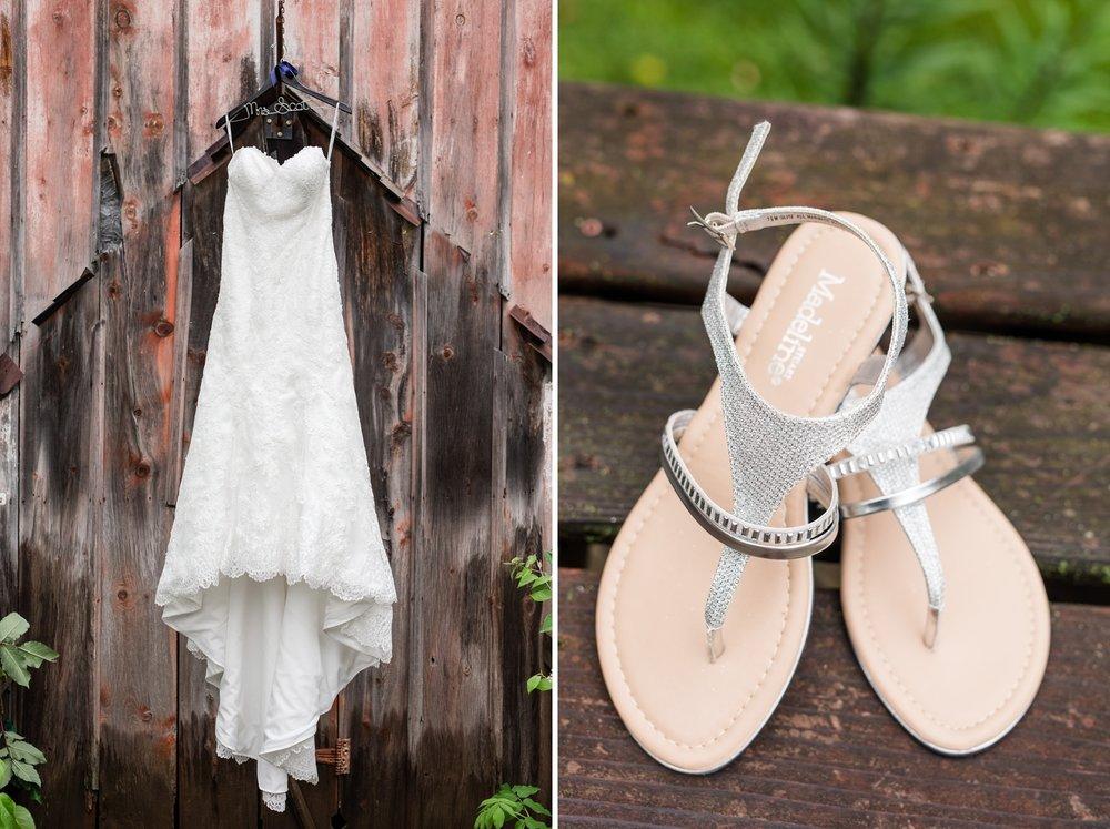 Outdoor Minnesota Barn Wedding at Milt's Barn near Pelican Rapids, MN | Even & Brittany
