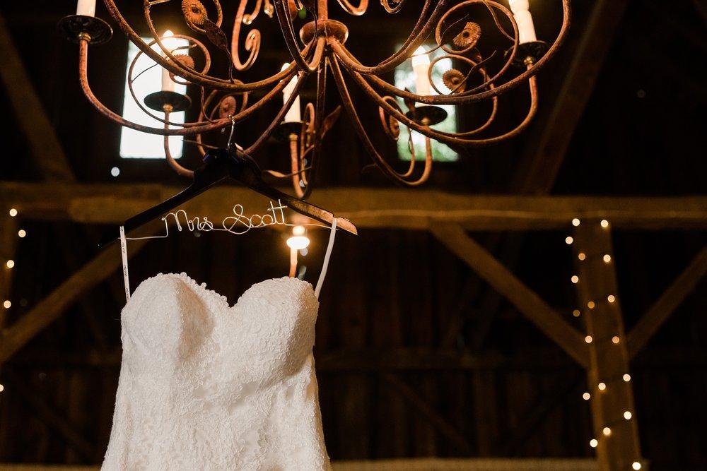 Minnesota Barn Wedding and Outdoor Ceremony at Milts Barn_0275.jpg