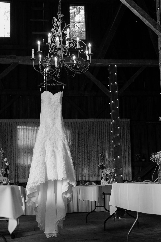Minnesota Barn Wedding and Outdoor Ceremony at Milts Barn_0276.jpg