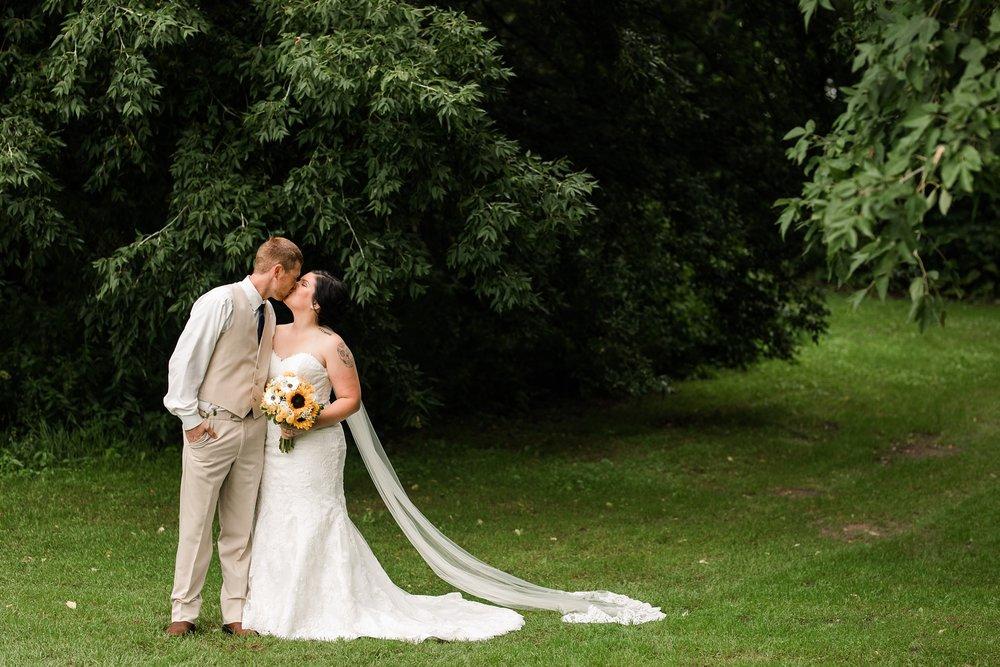 Minnesota Barn Wedding and Outdoor Ceremony at Milts Barn_0282.jpg