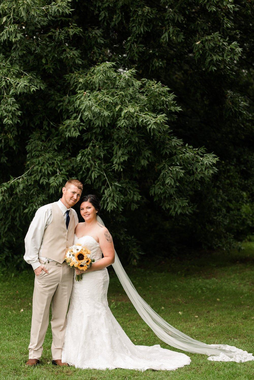 Minnesota Barn Wedding and Outdoor Ceremony at Milts Barn_0284.jpg