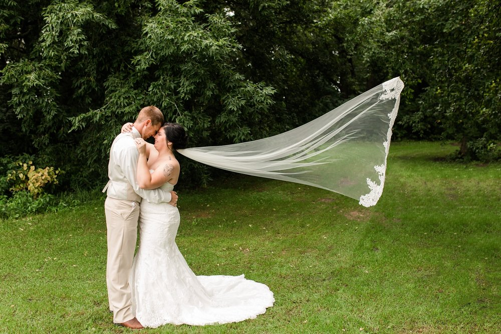 Minnesota Barn Wedding and Outdoor Ceremony at Milts Barn_0289.jpg