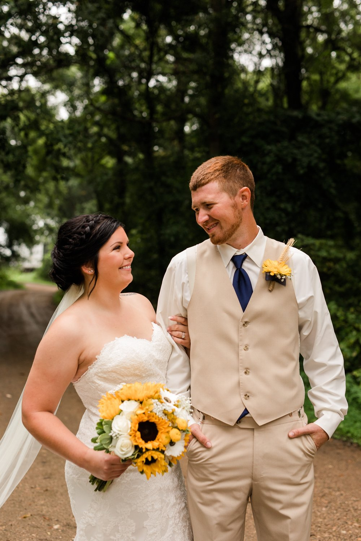 Minnesota Barn Wedding and Outdoor Ceremony at Milts Barn_0302.jpg