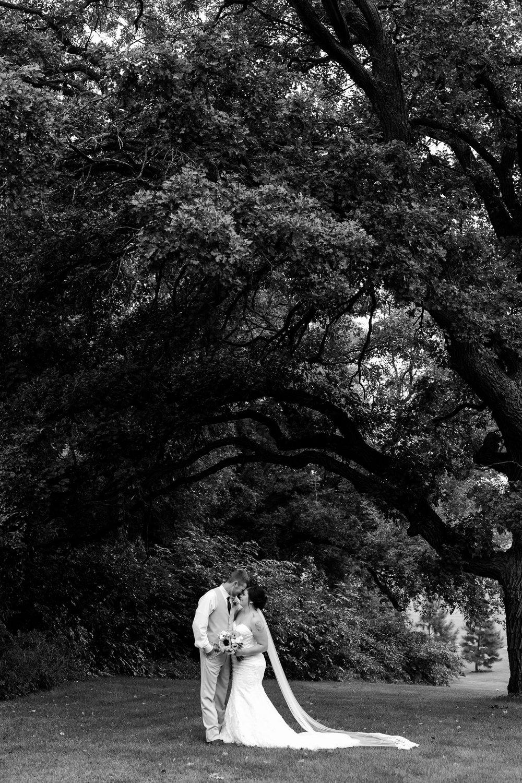 Minnesota Barn Wedding and Outdoor Ceremony at Milts Barn_0309.jpg