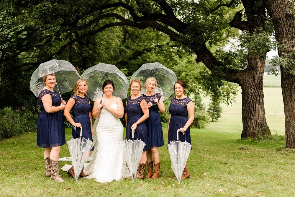 Minnesota Barn Wedding and Outdoor Ceremony at Milts Barn_0315.jpg