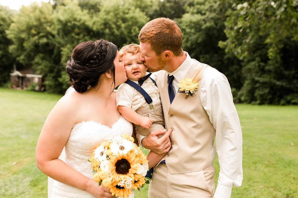 Minnesota Barn Wedding and Outdoor Ceremony at Milts Barn_0320.jpg