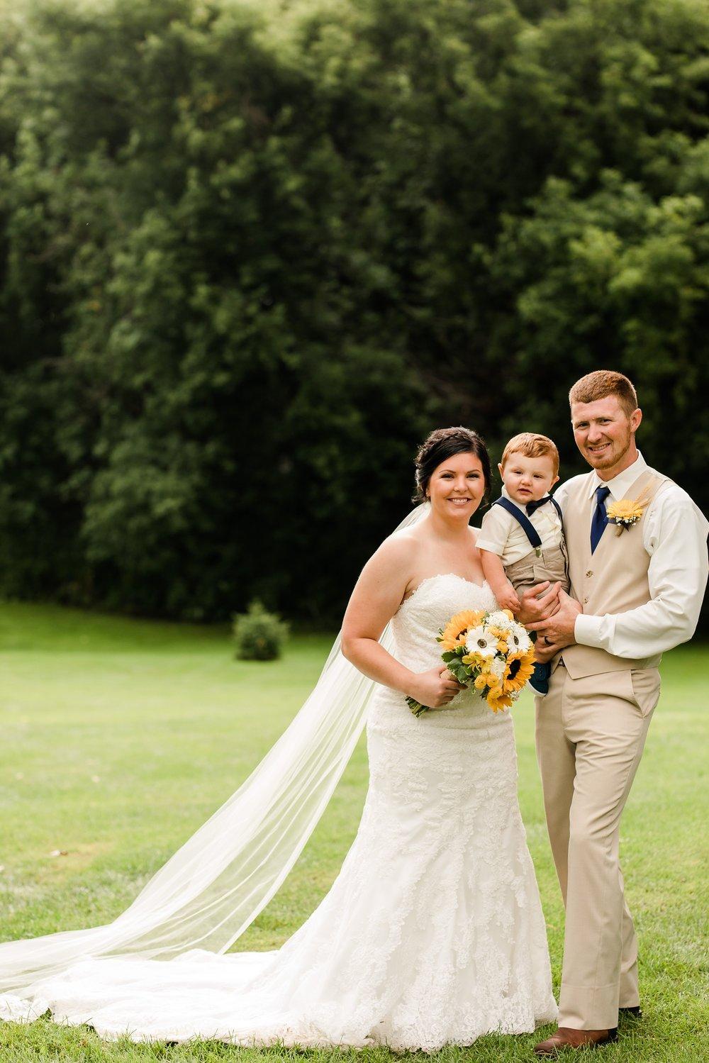 Minnesota Barn Wedding and Outdoor Ceremony at Milts Barn_0321.jpg