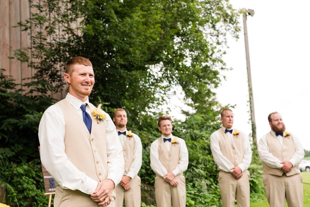 Minnesota Barn Wedding and Outdoor Ceremony at Milts Barn_0325.jpg