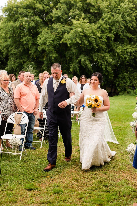 Minnesota Barn Wedding and Outdoor Ceremony at Milts Barn_0329.jpg