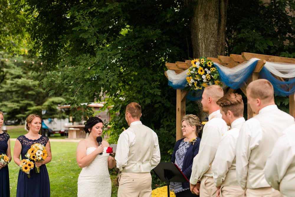 Minnesota Barn Wedding and Outdoor Ceremony at Milts Barn_0335.jpg