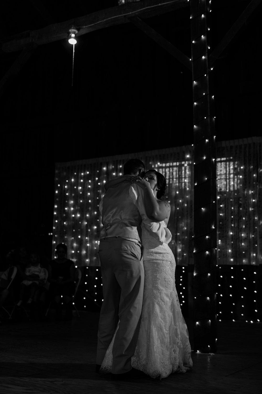 Minnesota Barn Wedding and Outdoor Ceremony at Milts Barn_0353.jpg
