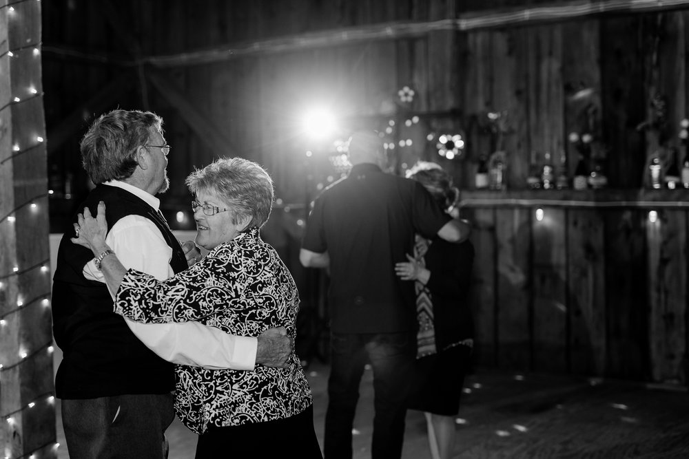 Minnesota Barn Wedding and Outdoor Ceremony at Milts Barn_0360.jpg