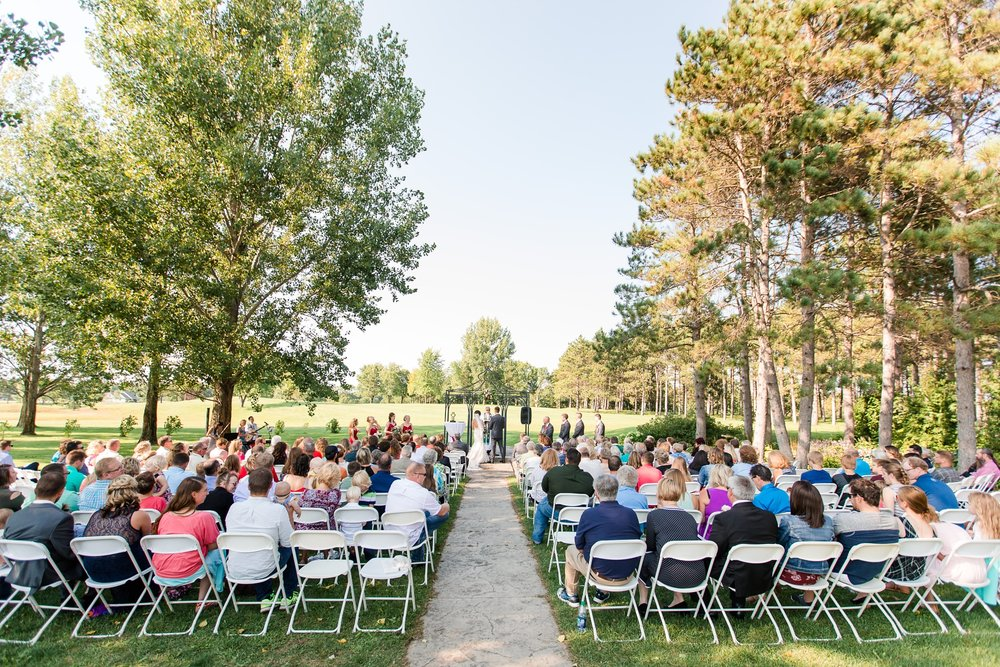 AmberLangerudPhotography_Perham Lakeside Golf Course Wedding_2860.jpg