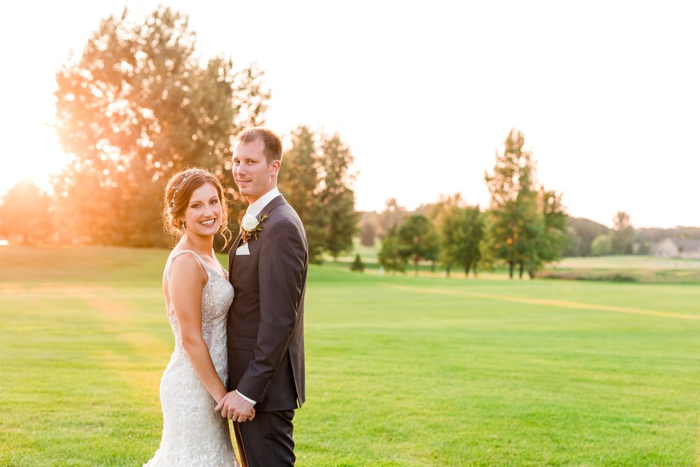 AmberLangerudPhotography_Perham Lakeside Golf Course Wedding_2889.jpg