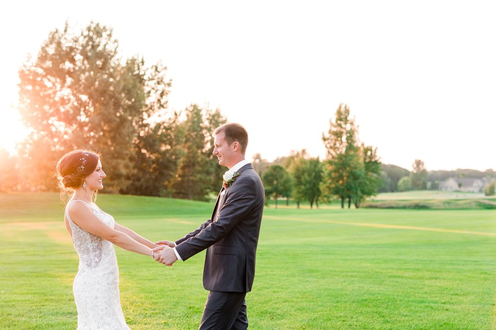 AmberLangerudPhotography_Perham Lakeside Golf Course Wedding_2893.jpg