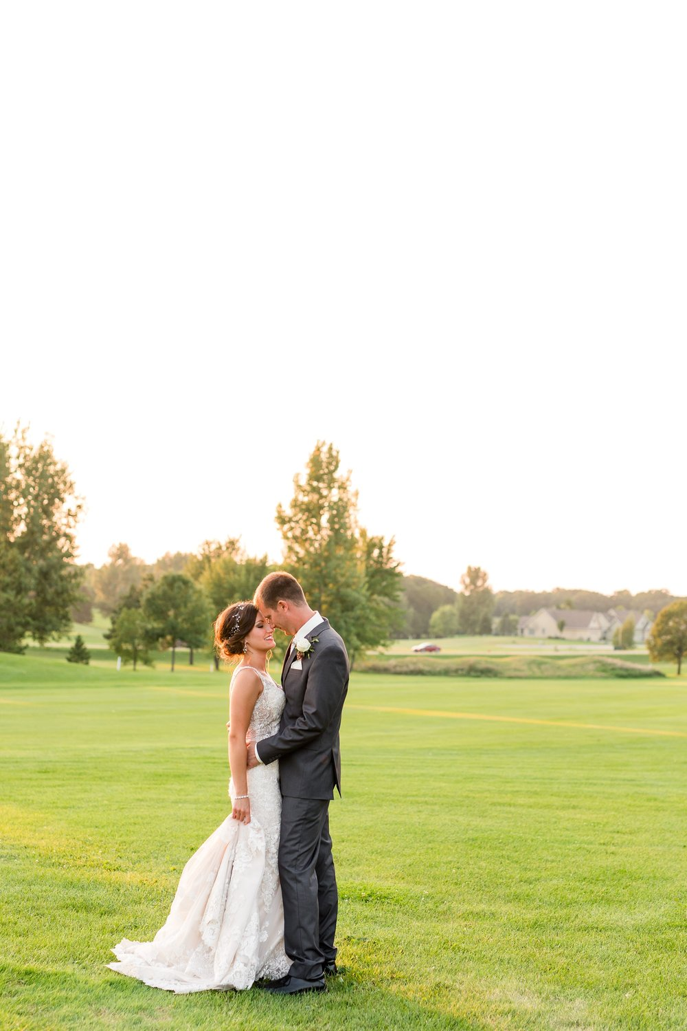 AmberLangerudPhotography_Perham Lakeside Golf Course Wedding_2897.jpg